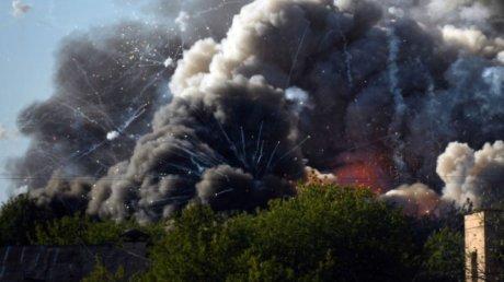 Пожар уничтожил склад с пиротехникой в центре Москвы