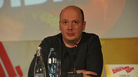 В Латвии от осложнений нового коронавируса умер известный писатель Слава Сэ
