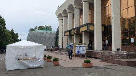 Во Дворце Республики проходит второй этап Кишинёвского марафона вакцинации