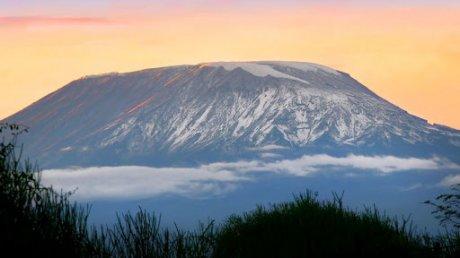 Уроженец Молдовы сделал предложение любимой на вершине вулкана Килиманджаро
