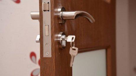 В столице молодой человек арендовал квартиру и вынес из нее бытовую технику (ВИДЕО)