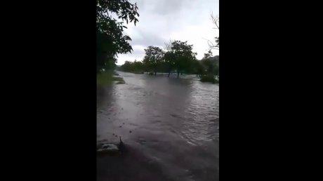 """""""Кошмар, люди добрые, кошмар"""": ливень затопил село Первомайское в Хынчештском районе"""