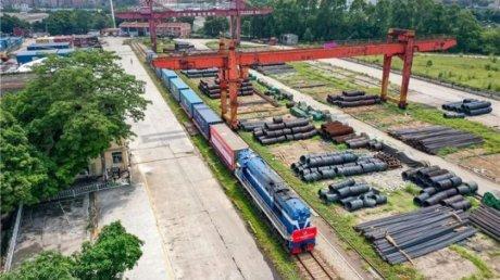 """Из Гуанчжоу на станцию """"Черноморская"""": в Одессу приехал первый контейнерный поезд из Китая"""
