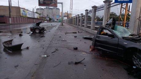 Страшное ДТП в Одессе: автомобиль разорвало на части, два человека погибли