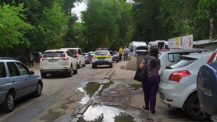 В столице столкнулись неотложка и БМВ: три человека доставлены в больницу