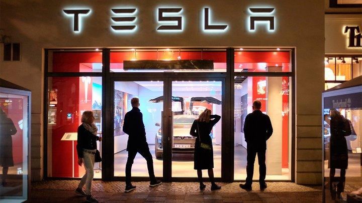 Tesla отзовет более 285 тысяч автомобилей в Китае из-за неисправного автопилота