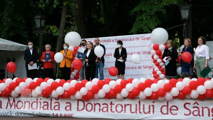 Они спасают жизни людей: как в Молдове отмечают Всемирный день донора крови (ФОТОРЕПОРТАЖ)
