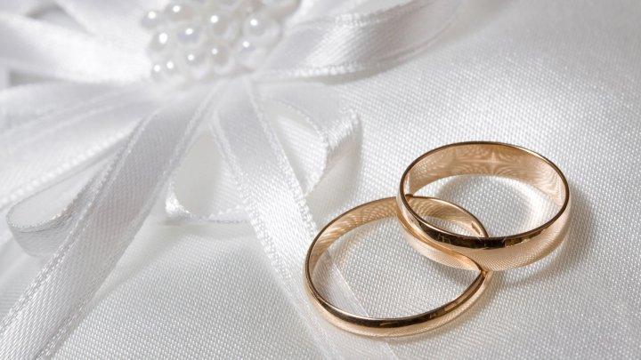Десять пар из села Сэсень отпраздновали золотую свадьбу и раскрыли свой секрет долгих отношений