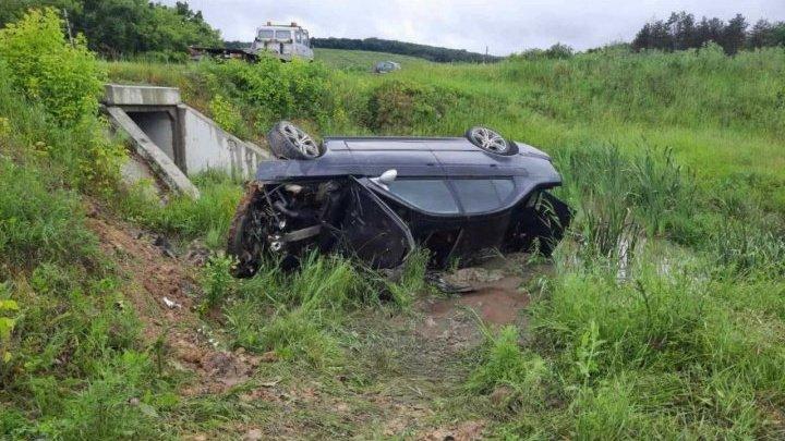ДТП на выезде из Хынчешт: у автоледи повреждена спина, а у ее пассажира сломана челюсть (ФОТО)