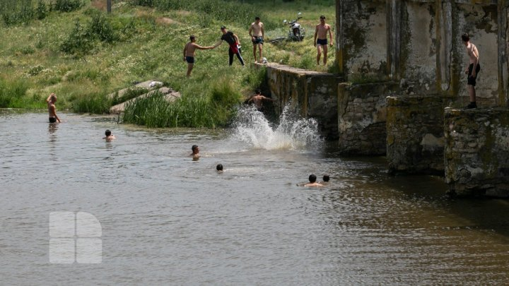 Жара не отступает: в Молдове продлили жёлтый уровень погодной опасности