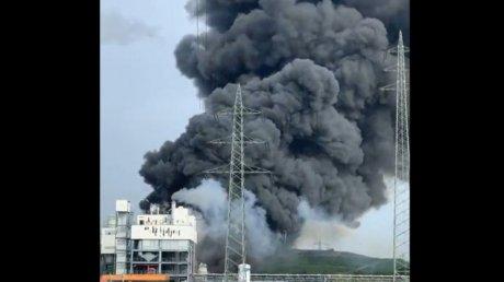 По меньшей мере 16 человек пострадали при взрыве на химзаводе в Германии