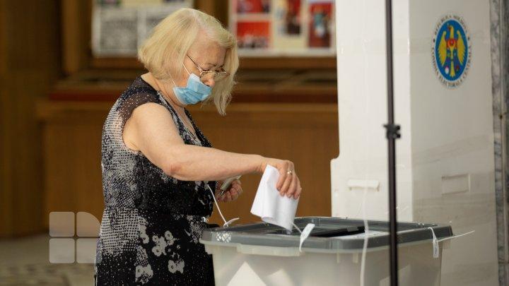 Досрочные парламентские выборы (ФОТОРЕПОРТАЖ)