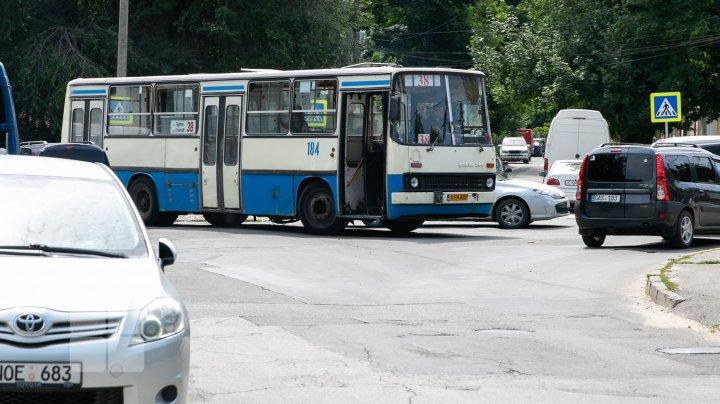 """В Кишинёве началось тестирование новых автобусов для пригородов. Пассажиры: """"Разница огромная"""""""