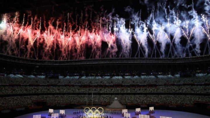 Открытие Олимпиады в Токио: Флаг Молдовы пронесли лучники Александра Мырка и Дан Олару