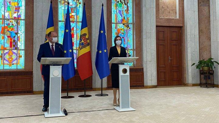 Молдова получила от Румынии 100 600 доз вакцины Pfizer. Они уже в Кишинёве