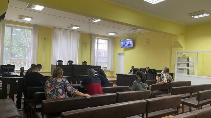Протест у здания бельцкого суда: родственники застреленного жителя села Елизавета требуют справедливости (ФОТО)