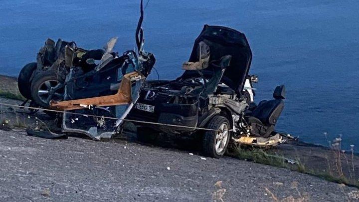 ДТП с участием неотложки в Нижегородской области: погибли два человека, машины смяты в гармошку (ФОТО)