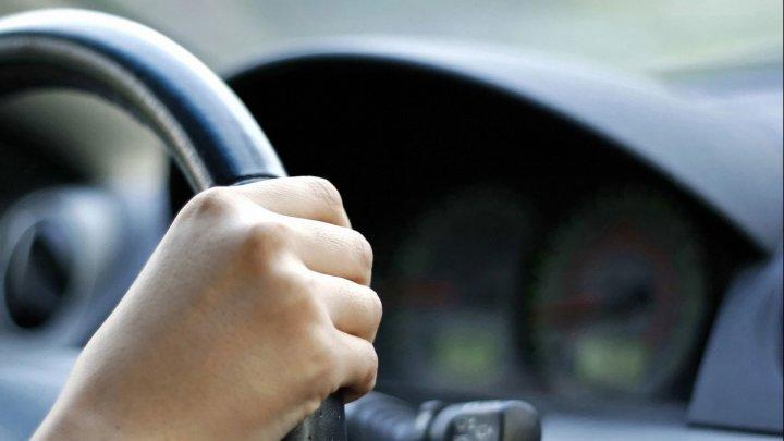 В Цыбулёвке 14-летняя девушка разбила чужой автомобиль, катаясь с друзьями