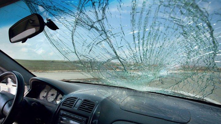 На Чеканах за ночь разбили 16 машин, но ничего не пропало. Местные жители говорят, что это не первый подобный случай