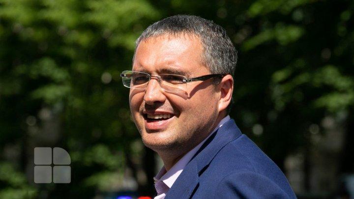 Ренато Усатый предлагает новые условия распределения средств между мэриями