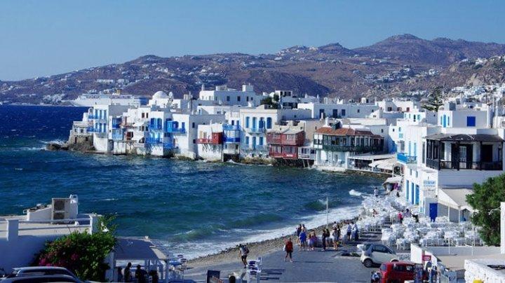 На греческом острове Миконос запретили музыку в барах и ресторанах