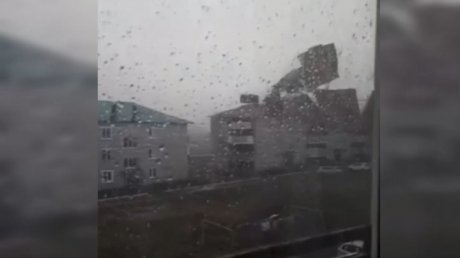 Ураган в Башкирии сдувал крыши, как пух с одуванчиков (ВИДЕО)