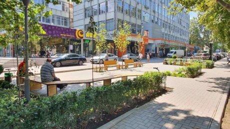 На Ботанике обустроили мини-сквер на улице Зелинского