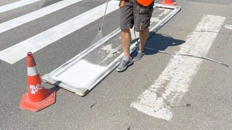 В Кишинёве начали обновлять разметку на дорогах возле учебных заведений