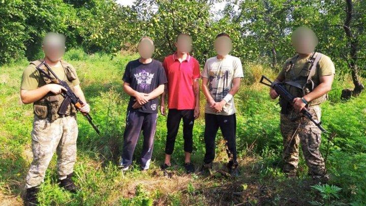 В Одесской области задержали молдаван, которые незаконно пересекли границу ради моря