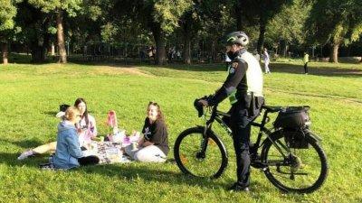 Десятки полицейских и волонтеров будут патрулировать пять сел муниципия Кишинев на велосипедах