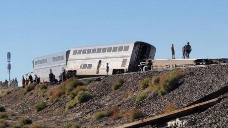 В США сошёл с рельсов пассажирский поезд: пострадали десятки людей
