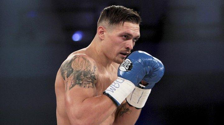 Украинский боксер Александр Усик готовится к бою с британцем Энтони Джошуа