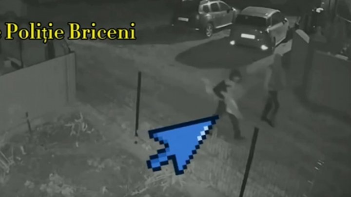 Жителя Коржеуц застрелили из охотничьего ружья: полиция ищет по видеозаписи двух мужчин
