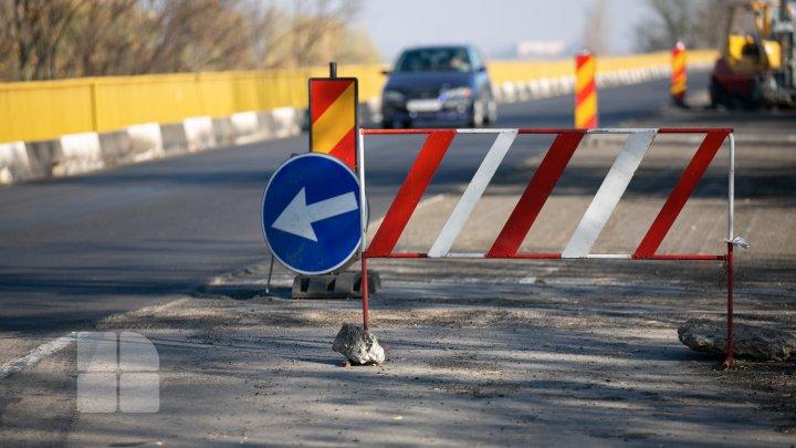 Мост через Днестр у Вадул-луй-Водэ на ремонте: для транспорта открыта только одна полоса (ФОТОРЕПОРТАЖ)
