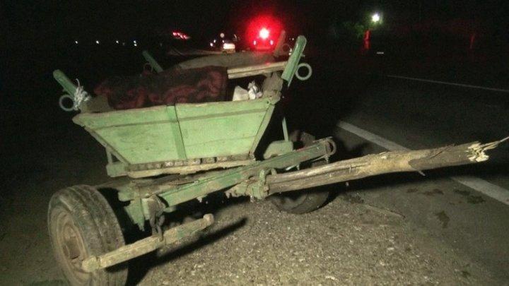 В Глодянском районе автомобиль врезался в телегу: пострадали два подростка