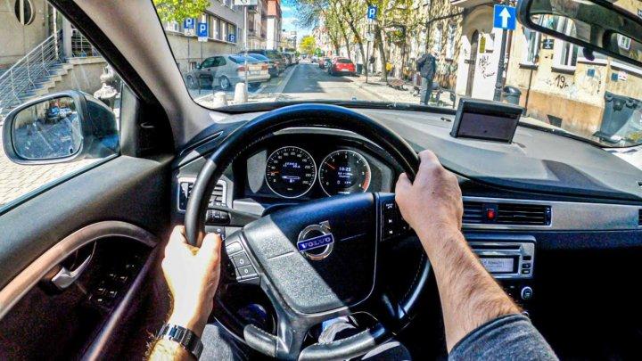 Шведский производитель автомобилей Volvo отзывает почти полмиллиона автомобилей